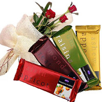 Deliver 4 Cadbury Temptation Chocolates With 3 Red Roses in Mumbai