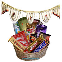 Send Diwali Gifts to Mumbai including Door Hanging Bandhanwar 1 with Assorted Chocolate Basket