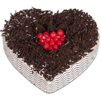 Send 1 Kg Heart Shape Black Forest Cake Delivery to Mumbai