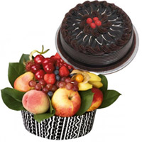 Best Bhaidooj Gifts Online in Kolhapur, 1 Kg Fresh Fruits Basket with 500 Chocolate Cakes to Mumbai