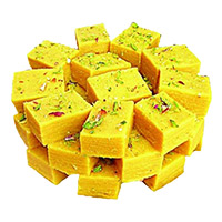 Online Friendship Day Gifts Delivery of 1 Kg Soan Papdi to Mumbai