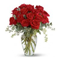 Order Red Roses in Vase 18 Flowers in Ichalkaranji Online