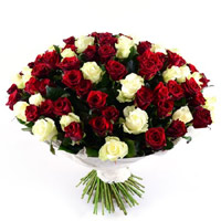 Send Friendship Day Flowers to Mumbai, Red White Roses Bouquet 100 flowers to Mumbai