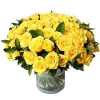 Flowers to Mumbai : 50 Yellow Roses in Vase